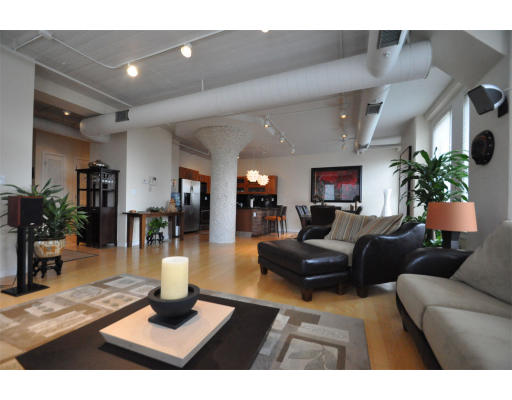 1,347 square foot,1 Bedroom Condo in Leather District