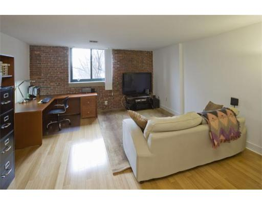 Lofts.com apartments, condos, coops, houses & commercial real estate - Charlestown Lofts (Condo)